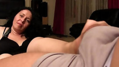 Alisa stepmom handjob video