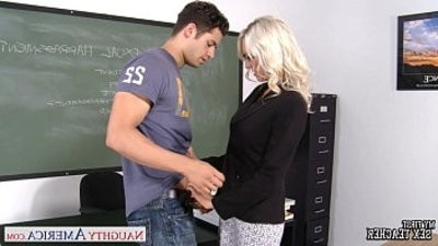Sex trainer Emma starletr take cock in classroom