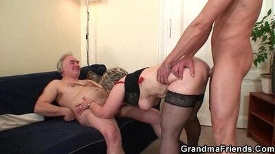 Amazing granny pumps little hae