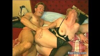 Brunette mature slut Julia needs a huge penis in her pussy pile
