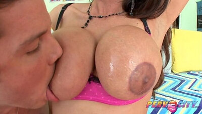 beautiful latina auntie cocksuck and blow