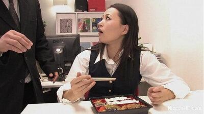 Rockstar Japanese hooker gives feel good blowjob in office