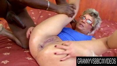 Black Granny Melissa Moorey gets BBC in Ass