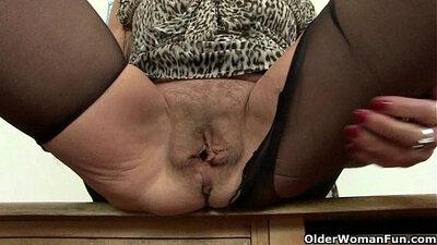 Maci Jones caresses Jenaveve and London in orgasms