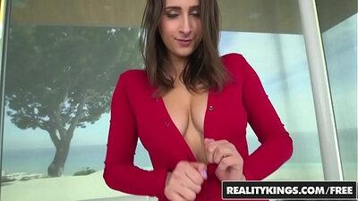 Ashley Adams big boobies before she feeds harsord the cabwomen