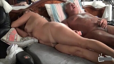 Mature and brunette taking turns in a couple