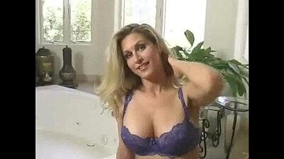 Big Bouncy Boobies Anal Blondie