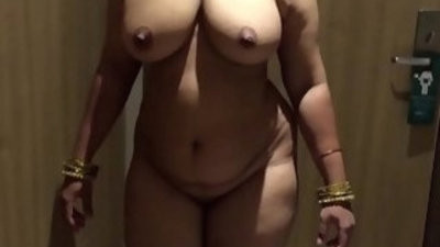 INDIAN WIFE AUNTY SEXY display