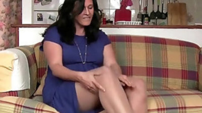 Do all British palacewives have a pantyhose fetish?