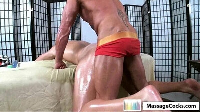 Massaging wench anal sex well