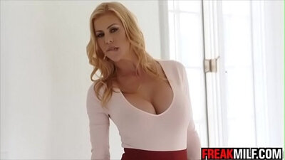 A squirting milf gets herself covered in warm cum