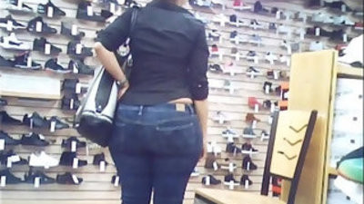 Candid enrapture phat booty huge pouch culo