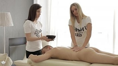 Four hand mnutage and anal Jessi Gold, Iza