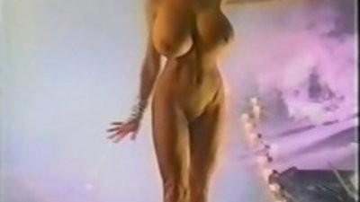Pandora Peaks Sexy Dancer