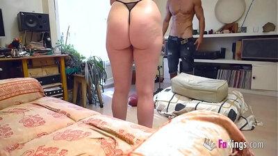 Horny MILF spanks model friend