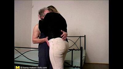 Mature BBW Ava Taylor rides around Virtual porn