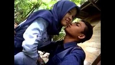 malaysia tudung ciuman dan pamer susu