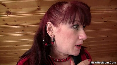 Caged MILF Sandra Diamond will keep mom from going like that until SHEs