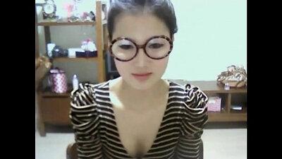 Hot Korean Fingering In Front of Her Webcam