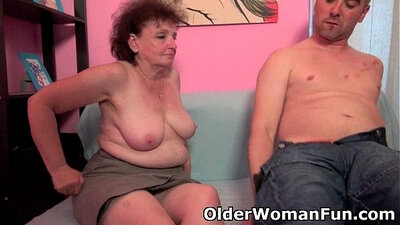 Chubby shaved pussy sucks on chanter cock