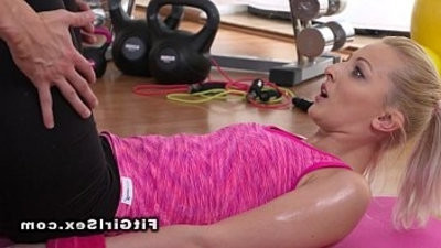 armsome coach fucks blonde stunner in the gym