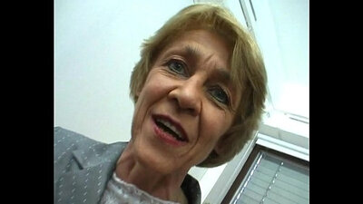 Beautiful German Granny Cam Girl Masturbates